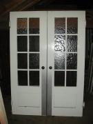 Pendeltür zweiflügelig mit großem Glasfeld