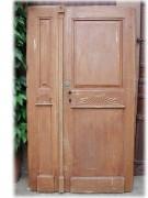 Historische Haustür zweiflügelig