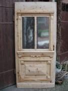 Historische Haustüre mit viel Glas, sauber entlackt