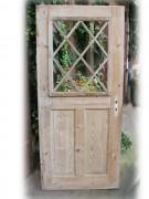 Antike Zimmertür mit filigraner Holzsprosse