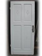 Acht Stück gleiche Villentüren / Zimmertüren geschnitzt