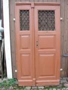 Seltene schmale zweiflg. Haustüre mit intakten Gussgittern