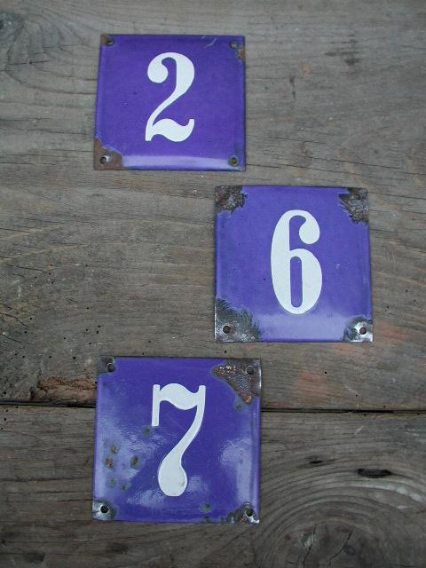 Antike Hausnummern, historische Hausnummern in Emaille 10 x 10 cm
