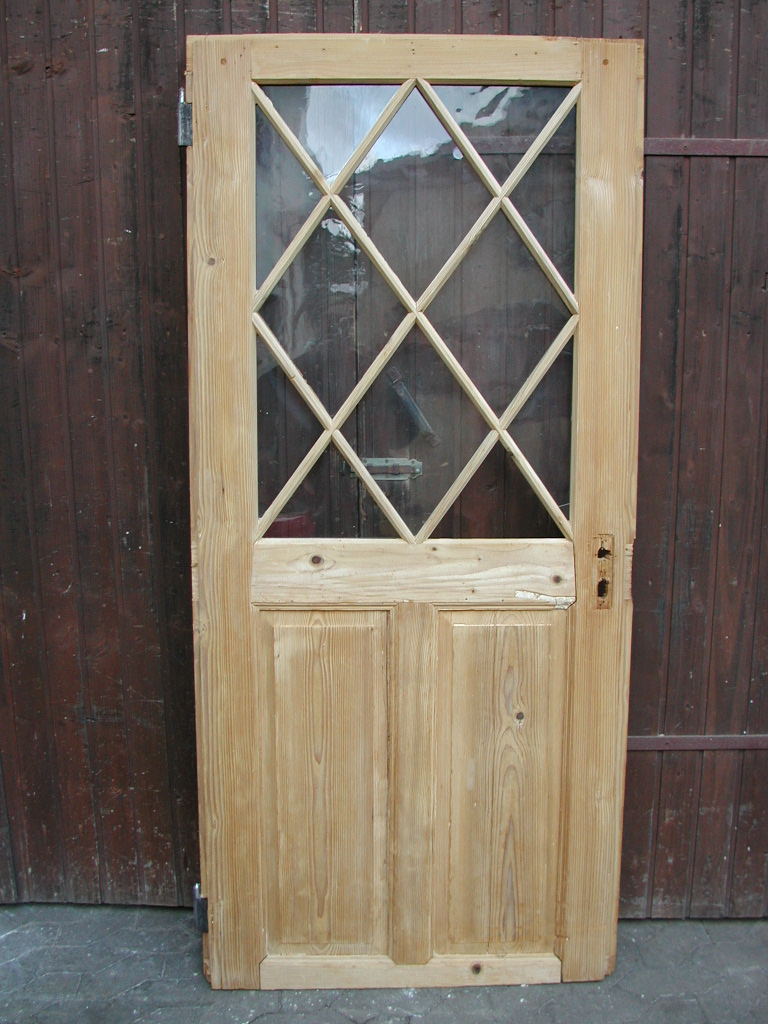 Historisches Zimmertürblatt, Nadelholz, Holzsprosse mit auf Spitze stehende Raute
