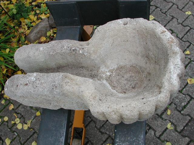 Traufstein aus Muschelkalkstein, Außgussbecken, Topzustand