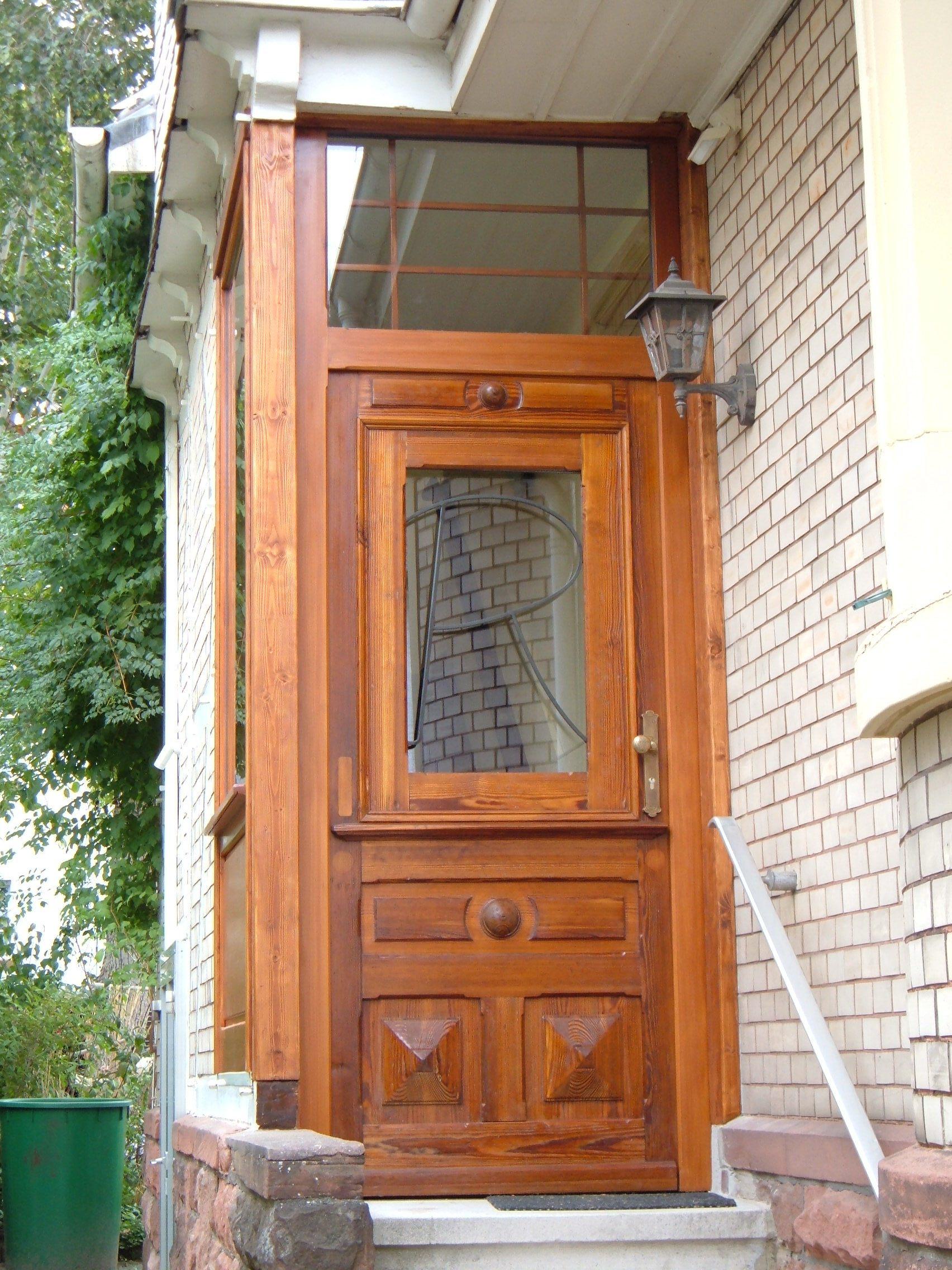 Historische Haustüre HT_00240.1 im eingebautem Zustand