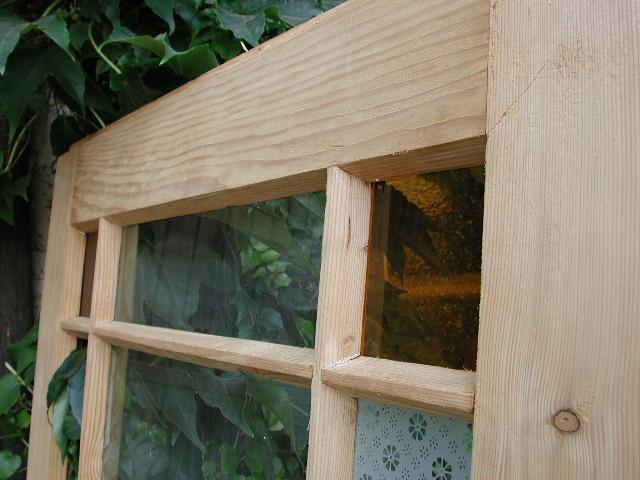 Historisches Zimmertürblatt, einflügelig, Nadelholz, Kiefernholz, Holzsprosse, Originalverglasung.