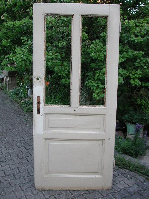 Zimmertüre mit zwei großen Lichtausschnitten